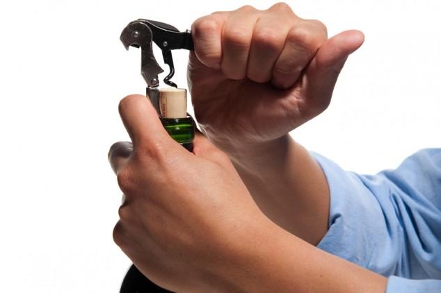 Aprenda como abrir uma garrafa de vinho
