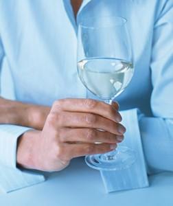 tacas-vinho-segurar